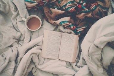 blanket-book-coffee-reading-Favim.com-2347151