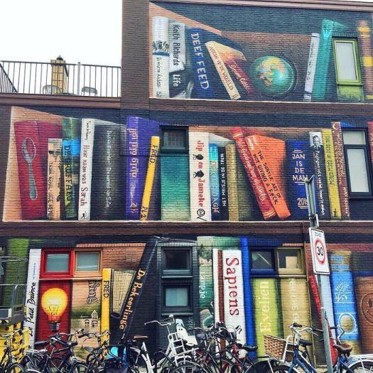 street-art-utrecht-apartment-building-transformed-into-bookcase-jan-is-de-man-5cadce49460c3__700.jpg